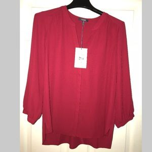 NWT's NYDJ Pleated Back Blouse in Gooseberry